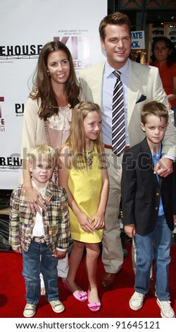 LOS ANGELES - JUN 14: Chris O'Donnell, wife, sons Chip (l), Charlie, daughter Lily at the world premiere of 'Kit Kittredge: An American Girl' at the Grove in Los Angeles, California on 14 June 2008