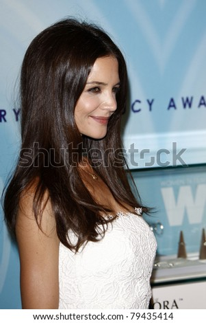 LOS ANGELES - JUN 16:  Katie Holmes arrives at the 2011 Women In Film Crystal + Lucy Awards  at Beverly Hilton Hotel  on June 16, 2011 in Beverly Hills, CA