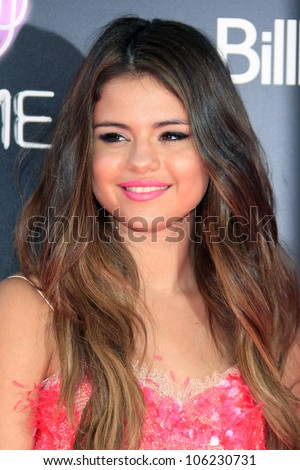 "LOS ANGELES - JUN 26:  Selena Gomez arrives at the ""Katy Perry: Part Of Me"" Premiere at Graumans Chinese Theater on June 26, 2012 in Los Angeles, CA"