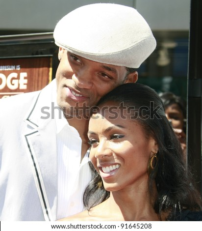 LOS ANGELES - JUN 14: Will Smith and Jada Pinkett Smith at the world premiere of 'Kit Kittredge: An American Girl' at the Grove in Los Angeles, California on 14 June 2008