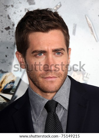 """LOS ANGELES - MAR 28:  Jake Gyllenhaal arrives to the """"Source Code"""" Los Angeles Premiere  on March 28,2011 in Beverly Hills, CA"""
