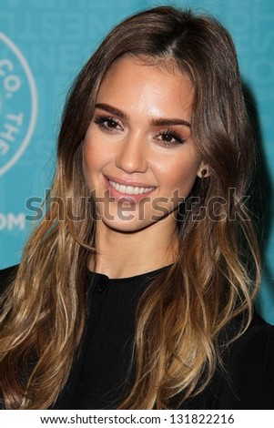 "LOS ANGELES - MAR 16:  Jessica Alba at the booksigning of her book ""The Honest Life"" at the Vromans on March 16, 2013 in Pasadena, CA"