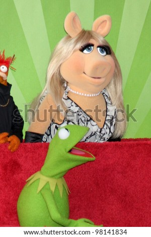 LOS ANGELES - MAR 20:  Miss Piggy, Kermit at the Hollywood Walk of Fame Star Ceremony for The Muppets at the El Capitan Theater on March 20, 2012 in Los Angeles, CA