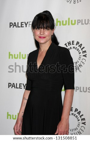 LOS ANGELES - MAR 13:  Pauley Perrette arrives at the  \
