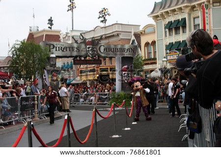 """LOS ANGELES - MAY 7:  Atmosphere arriving at the """"Pirates of The Caribbean: On Stranger Tides"""" World Premiere at Disneyland on May 7, 2011 in Anaheim, CA"""