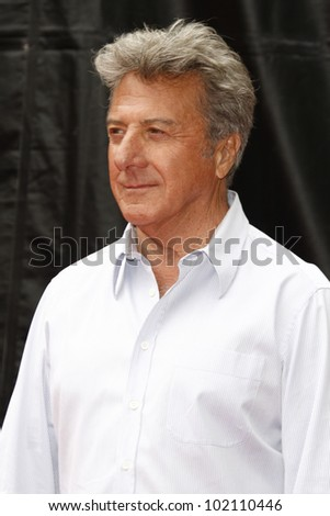 LOS ANGELES - MAY 22:  Dustin Hoffman at the premiere of Kung Fu Panda 2 at the Grauman's Chinese Theater in Los Angeles, California on May 22, 2011.