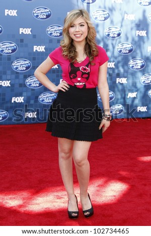 LOS ANGELES - MAY 25: Jennette McCurdy at the American Idol Finale at the Nokia Theater in Los Angeles, California on May 25, 2011