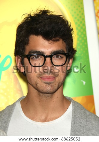 LOS ANGELES - MAY 15:  Joe Jonas arrives to Disney|ABC Television Group Summer Press Junket on May 15, 2010 in Burbank, CA