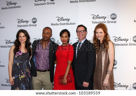 LOS ANGELES - MAY 20:  Katie Lowes, Columbus Short, Kerry Washington, Joshua Malina, Darby Stanchfield arrives at the ABC / Disney International Upfronts on May 20, 2012 in Burbank, CA