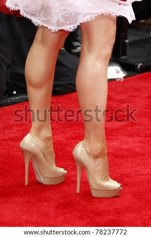 """LOS ANGELES - MAY 22:  Lucy Liu arriving at the """"Kung Fu Panda 2"""" Los Angeles Premiere at Grauman's Chinese Theatre on May 22, 2011 in Los Angeles, CA"""