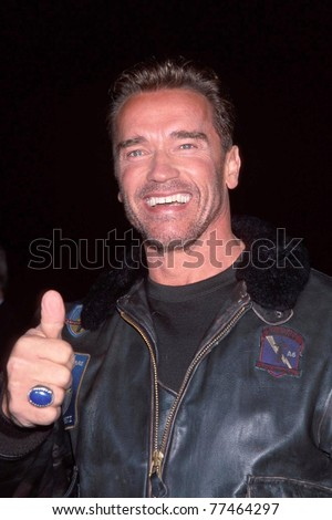 "LOS ANGELES - NOV 13:  Arnold Schwarzenegger arriving at the ""6th Day"" Premiere at National Theater on Nov 13, 2000 in Westwood, CA"