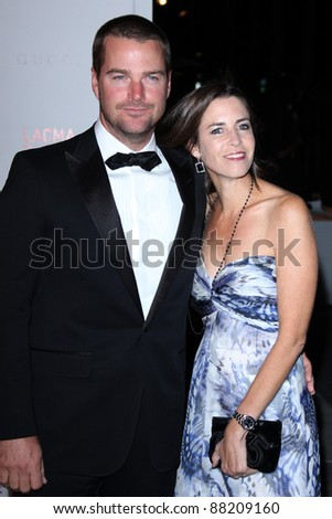 LOS ANGELES - NOV 5:  Chris O'Donnell and wife arrives at the LACMA Art + Film Gala at LA County Museum of Art on November 5, 2011 in Los Angeles, CA