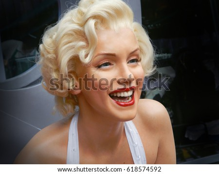 LOS ANGELES, NOV.14, 2014: Marilyn Monroe waxwork portrait at Los Angeles street. Merlin Monroe celebrity. Waxwork celebrities of Hollywood Walk of Fame. Famous stars. Young girl woman portrait