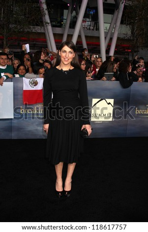 """LOS ANGELES - NOV 12:  Mayim Bialik arrive to the 'The Twilight Saga: Breaking Dawn - Part 2"""" Premiere at Nokia Theater on November 12, 2012 in Los Angeles, CA - stock photo"""