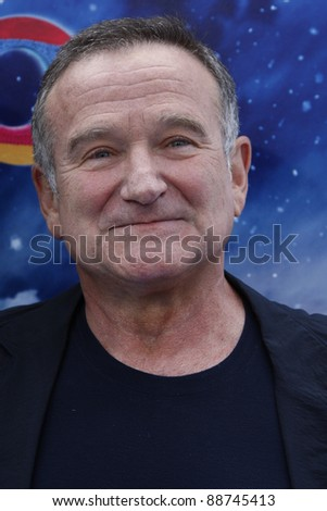 LOS ANGELES - NOV 13: Robin Williams at the World Premiere of  'Happy Feet Two' at Grauman's Chinese Theater on November 13, 2011  in Los Angeles, California