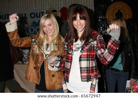 LOS ANGELES - NOV 20:  Savvy, Mandy at the Connected's Celebrity Gift Suite celebrating the 2010 American Music Awards at Ben Kitay Studios on November 20, 2010 in Los Angeles, CA