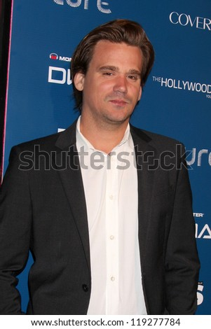 LOS ANGELES - NOV 18:  Sean Stewart arrives for the US Weekly AMA After Party at Lure on November 18, 2012 in Los Angeles, CA