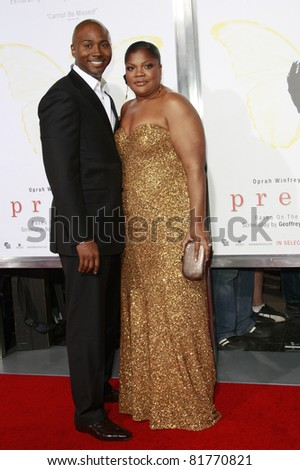 LOS ANGELES - NOV 1: Sidney Hicks and Mo\'Nique at the screening of \'Precious: Based On The Novel \'PUSH\' By Sapphire\' during AFI FEST 2009 in Los Angeles, California on November 1, 2009
