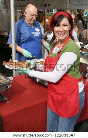 LOS ANGELES - NOVEMBER 22: Tiffany at The Los Angeles Mission Thanksgiving Meal for the Homeless  November 22, 2006 in Los Angeles Mission, Los Angeles, CA.