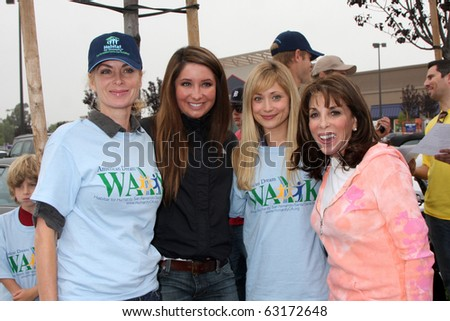 "LOS ANGELES - OCT 16:  Eileen Davidson, Bristol Palin, Marcy Rylan, Kate Linder at the Habitat for Humanity ""American Dream Walk""  at Pacoima Plaza on October 16, 2010 in Pacoima, CA"