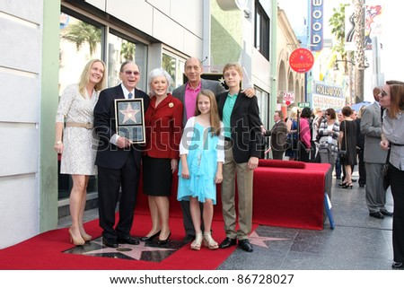 LOS ANGELES - OCT 14:  Hal David, Family at the Ceremony to Bestow a Star on the Hollywood Walk of Fame for Hal David at the Musicians Institute on October 14, 2011 in Los Angelees, CA