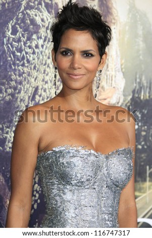 LOS ANGELES - OCT 24: Halle Berry at the Warner Bros. Pictures' 'Cloud Atlas' premiere at Grauman's Chinese Theater on October 24, 2012 in Los Angeles, California - stock photo