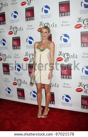 LOS ANGELES - OCT 17:  Julie Bowen arriving at the  LES GIRLS 11th Annual Cabaret at the Avalon on October 17, 2011 in Los Angeles, CA