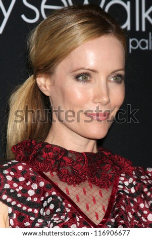 """LOS ANGELES - OCT 26:  Leslie Mann arrives at """"The Pink Party '12"""" at Hanger 8 on October 26, 2012 in Santa Monica, CA"""