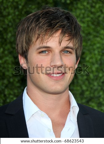 LOS ANGELES - OCT 11:  Matt Lanter arrives to the Summer Press Tour 2010-CBS CW Showtime on October 11, 2010 in Beverly Hills, CA