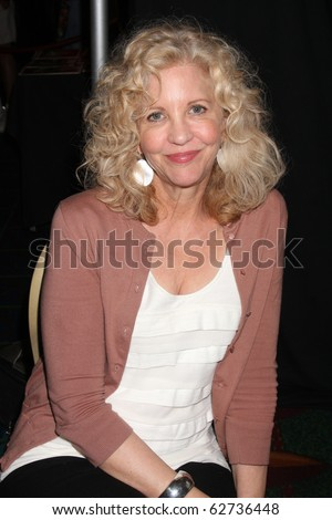 LOS ANGELES - OCT 9: Nancy Allen at the Hollywood Show at Marriott