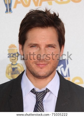 LOS ANGELES - OCT 23:  PETER FACINELLI arrives to the 2010 MTV Movie Awards  on June 06,2011 in Los Angeles, CA