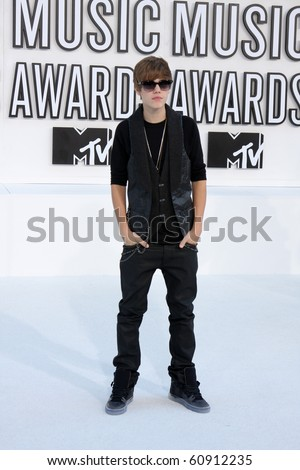 LOS ANGELES - SEP 12:  Justin Bieber arrives at the 2010 MTV Video Music Awards  at Nokia - LA Live on September 12, 2010 in Los Angeles, CA