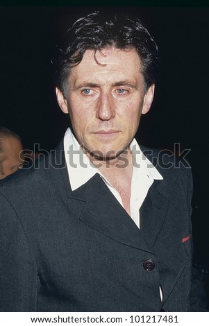 "LOS ANGELES - SEPT 5:  Gabriel Byrne arrives at the ""Seven"" Premiere at a LA Theater on September 5, 1995 in Los Angeles, CA - stock photo"