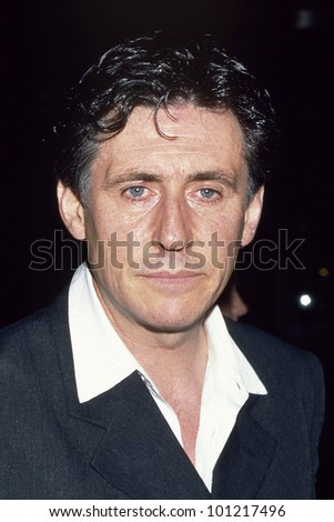 """LOS ANGELES - SEPT 5:  Gabriel Byrne arrives at the """"Seven"""" Premiere at a LA Theater on September 5, 1995 in Los Angeles, CA - stock photo"""