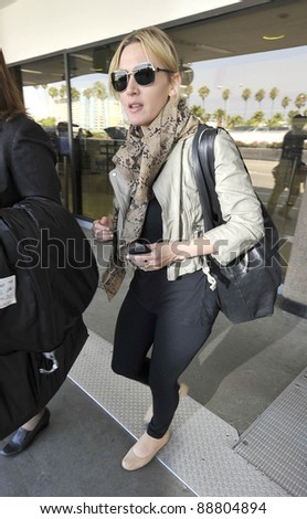 LOS ANGELES-SEPTEMBER 17: Actress Kate Winslett at LAX airport. September 17 in Los Angeles, California 2011