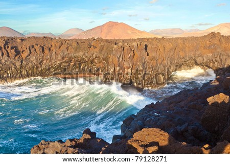 Los Hervideros, coastline with huge waves