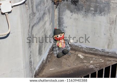 Lost rag doll street dirty clown
