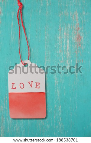 Love label on  grunge wood seamless background
