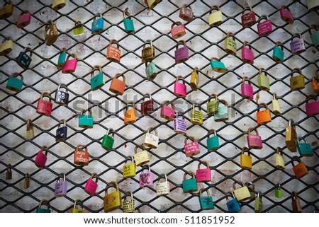 Love lock on grid