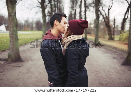 dating a mixed race man