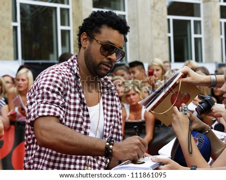 LUDWIGSBURG - AUGUST 29: Musician Shaggy, many national and international superstars from the music scene in the Forum Theatre celebrated in Ludwigsburg, Germany.  August 29, 2012.