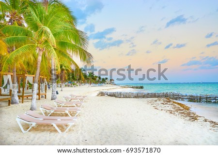 luxurious beach lounge at Isla Mujeres in Mexico / Relaxing at caribbean beach / perfect vacations Foto stock ©