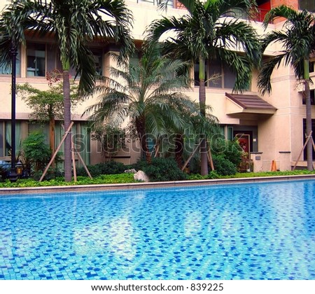 Luxurious City Apartments -- with swimming pool and gardens