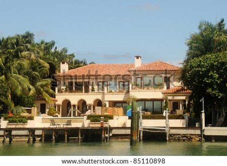 Luxurious waterfront home in Miami in final stage of construction