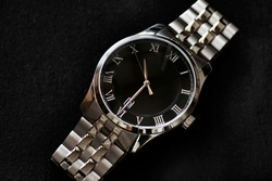 luxury fashion watch stainless steel chrome with black and grey geometric dial and metal chainlink watch band