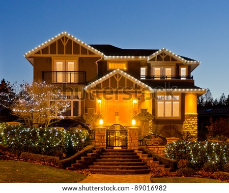 Luxury House At Night In Vancouver Canada Stock Photo 89016982