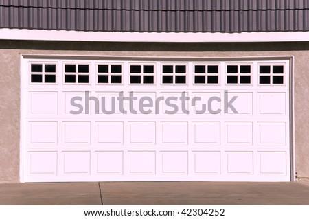 stock-photo-luxury-house-garage-42304252.jpg