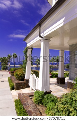 stock-photo-luxury-house-xxl-37078711.jpg