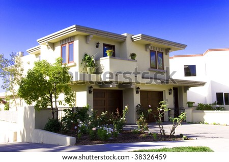 stock-photo-luxury-house-xxl-38326459.jpg