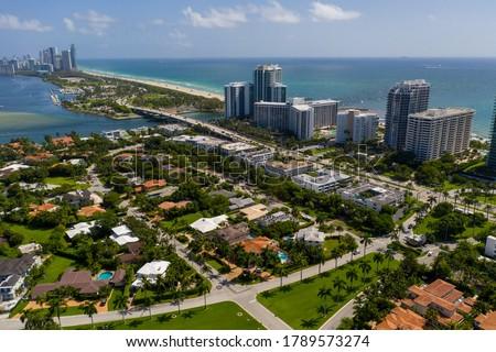 Luxury neighborhoods Miami Beach Bal Harbour FL Foto stock ©